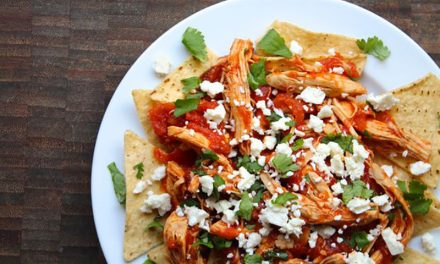 Chilaquiles con Salsa Roja & Chicken