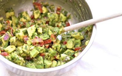 Simple 6 Ingredient Guacamole